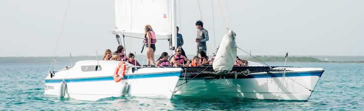Servicio de tours en Catamarán a Vela en Bacalar